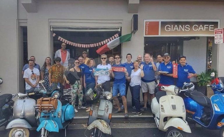 "Da assisinews.it ""Il Vespa Club di Assisi vola a Sidney grazie a Mauro Bani"""
